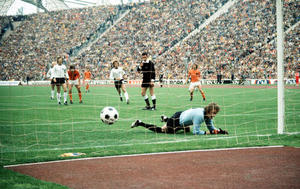 1974 World Cup Final. Munich, West Germany. 7th July, 1974. West Germany 2 v Holland 1. Holland's Johan Neeskens (out of picture) scores his side's opening goal from the penalty spot in the second minute past West German goalkeeper Sepp Maier.